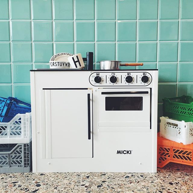Love :: Micki Bistro Mini Kitchen