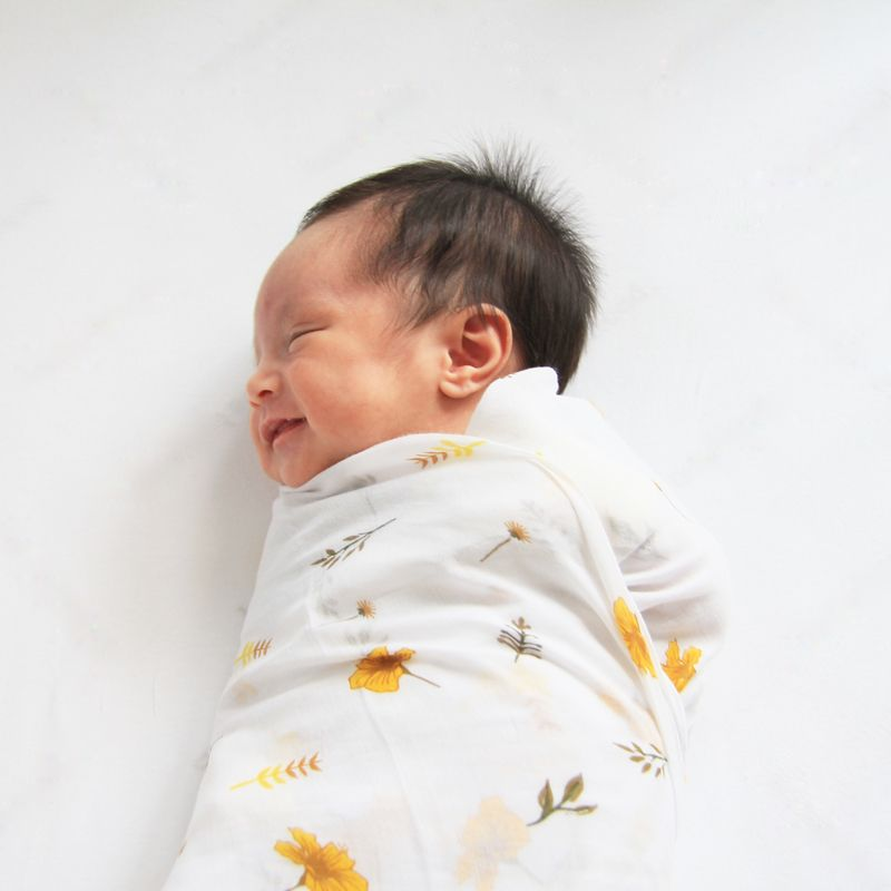 Simple Guide to Swaddling a Baby